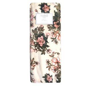 Thro Marlo Lorenz Pink Rosses Plush Throw Blanket
